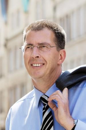 prinzipalmarkt-münster-geschäftsmann-business-portrait-outdoor-karriere