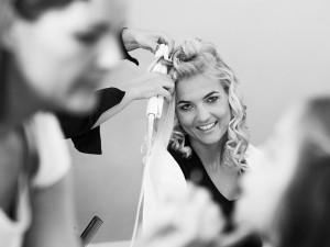 hochzeit-braut-frisur-collage-locken-schwarz-weiß-farbe-fotografie