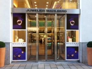 juwelier-mahlberg-bvlgari-shopgestaltung-außenansicht-geschäft-werbemittel