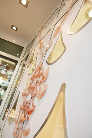 bvlgari-raumgestaltung-wanddekoration-juwelier-edel