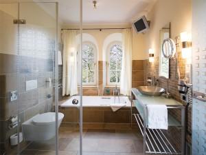 badezimmer-luxus-badewanne-objektfotografie-einrichtung