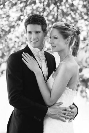 Hochzeitsfotograf, Brautpaar schwarz weiß Portrait in Natur