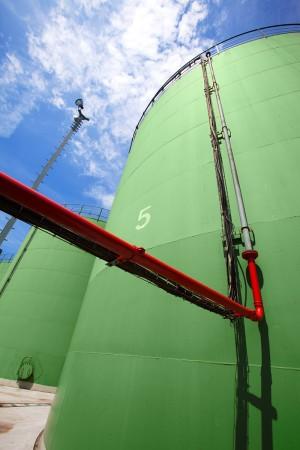 Industriefoto Rohrsystem mit Silo