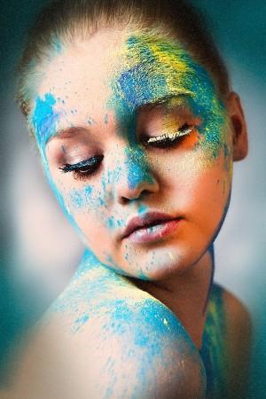 Extrem Makeup in bunt