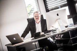 Firmenportrait, Geschäftsführung im Büro