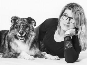 Tier Fotograf, Hund mit Besitzer, schwarz weiß, cool