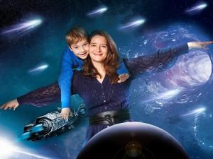 Foto Composing Mutter und Kind im Weltall mit Sternschnuppen